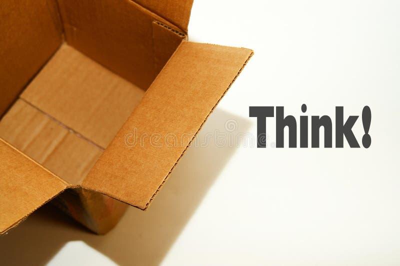 Denken Sie außerhalb des Kastens lizenzfreie stockbilder