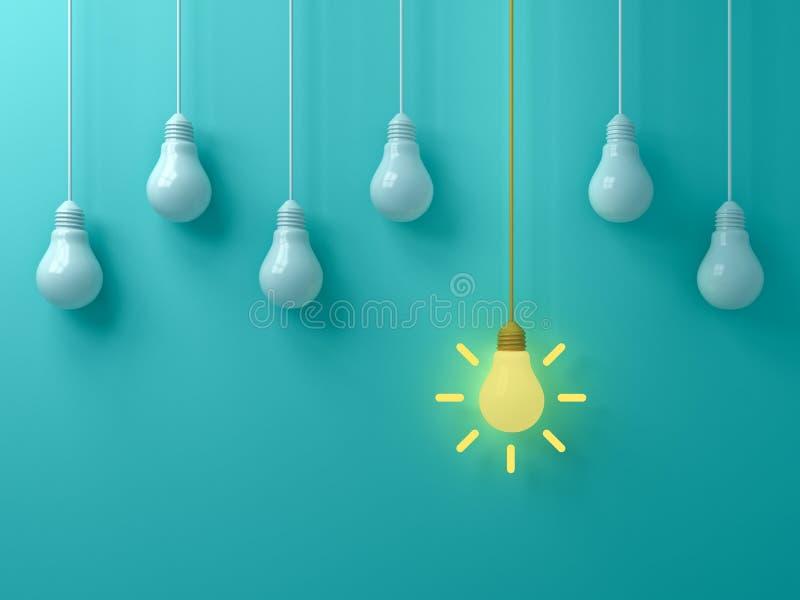 Denken Sie das unterschiedliches Ideen-Glühlampe des Konzeptes die hängende gelbe, die heraus von den weißen unlit Birnen steht lizenzfreie abbildung
