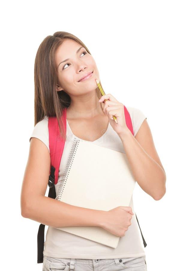 Denkender Hochschulstudent auf weißem Hintergrund lizenzfreies stockbild