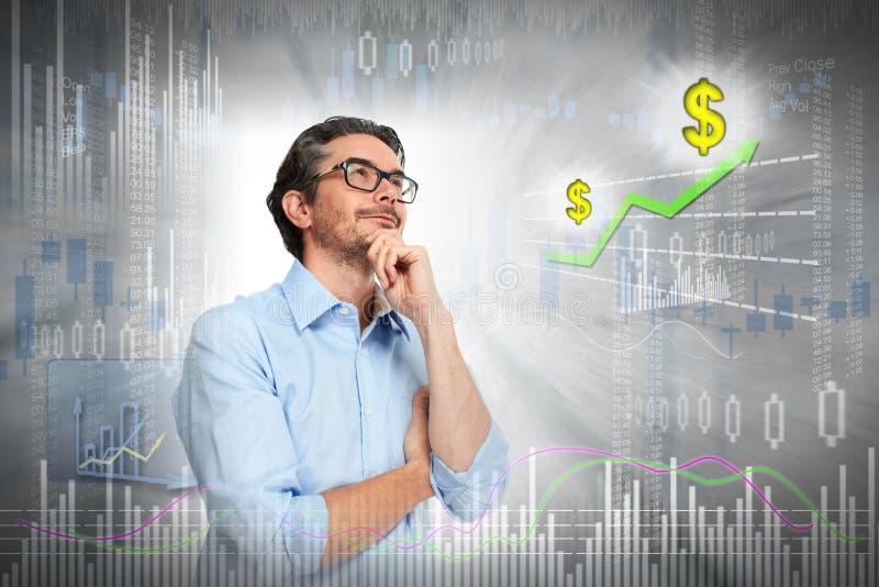 Denkender Investormann lizenzfreies stockfoto