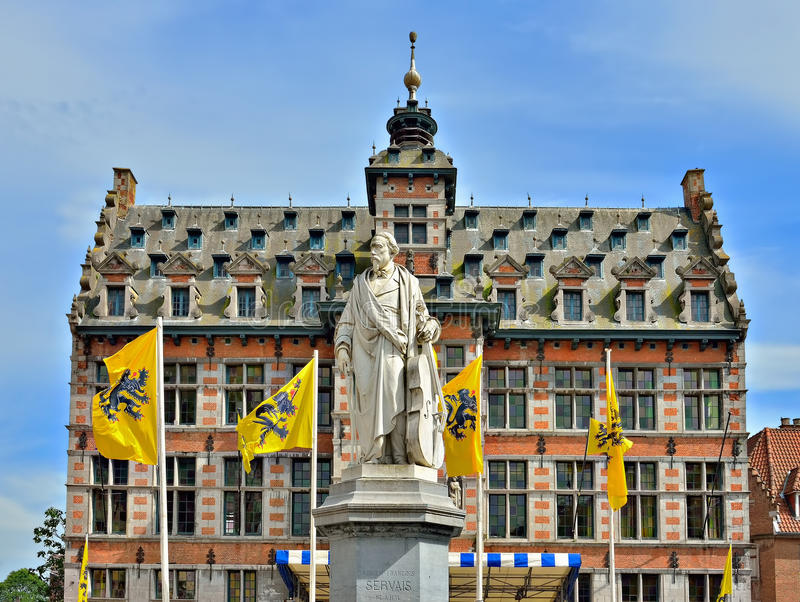 Denkmal des Komponisten Adrien-Francois Servais lizenzfreie stockfotografie