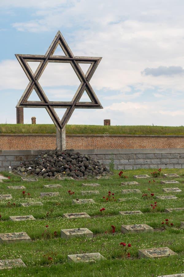 Denkmal und Kirchhof Terezin lizenzfreie stockbilder
