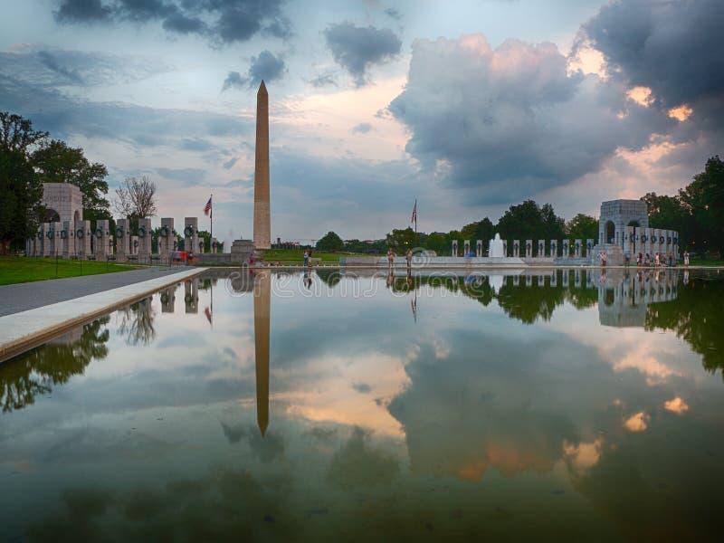 Denkmal WW II bei Sonnenuntergang stockfoto