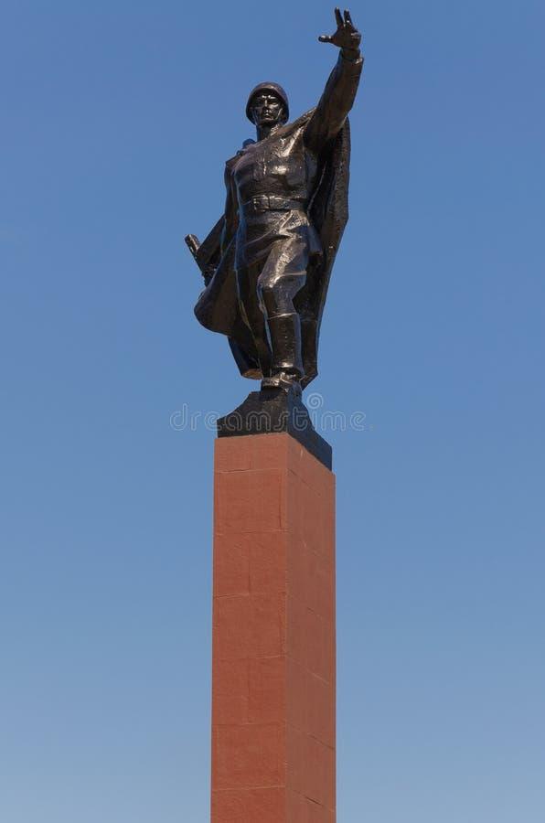 Denkmal zu den sowjetischen Soldaten stockfotos