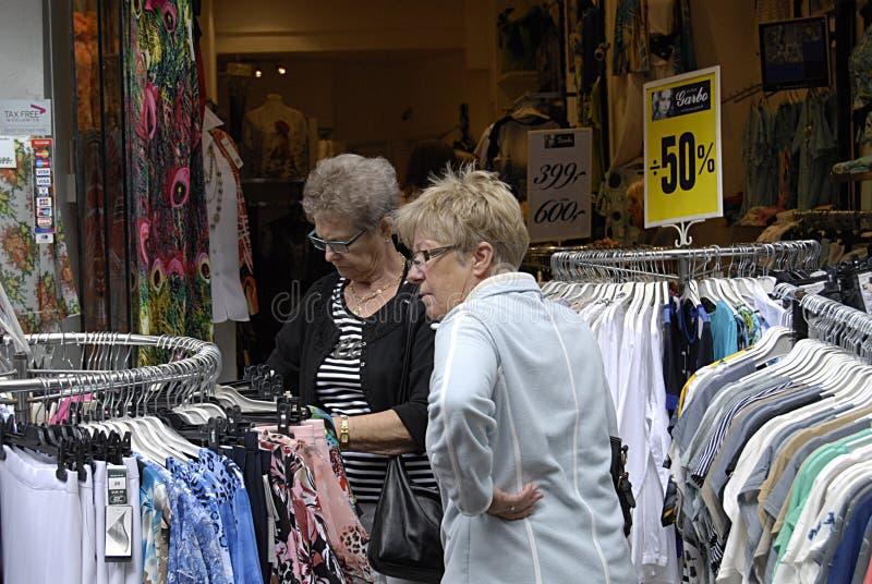 Download DENMARK_Consumers и путешественники Редакционное Стоковое Изображение - изображение насчитывающей дания, магазины: 41661679