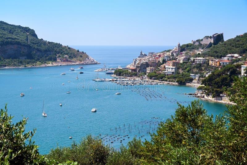 Denna cieśnina między grodzkim Porto Venere i Palmaria wyspa brama sławny Cinque Terre w Liguria, Włochy, obraz stock
