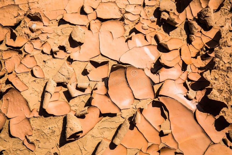 Denna förtorkade jord visar tecken som den var en gång fertil arkivbilder