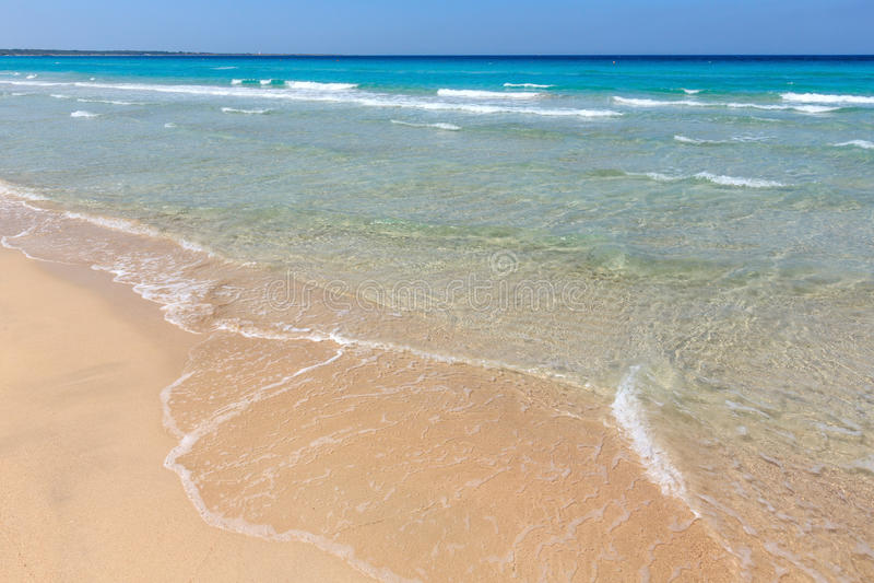 Denna kipiel na plaży obrazy royalty free