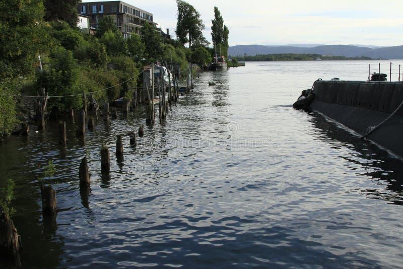 Download Denni Lwy Na łodzi Podwodnej Zdjęcie Stock - Obraz złożonej z chile, schronienie: 57671506