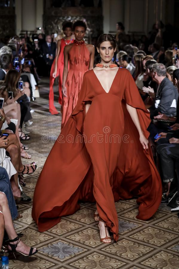 Dennis Basso Spring /Summer 2018 images stock