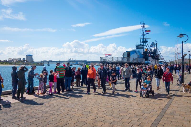 Denny baca Steve Irwin Dokujący przy Portowym Adelaide obrazy royalty free