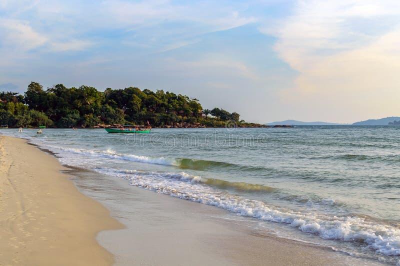 Denny brzeg w Sihanoukville plaży obraz stock