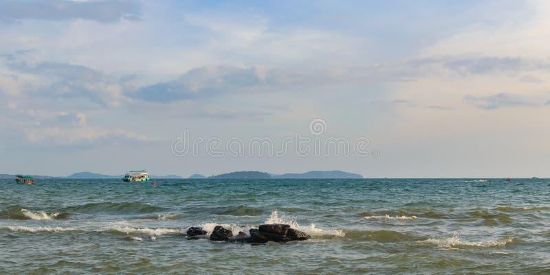 Denny brzeg w Sihanoukville plaży obrazy stock