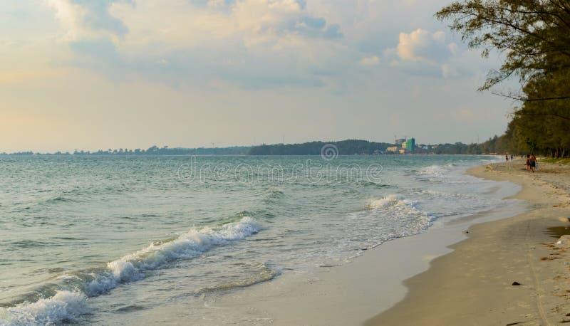 Denny brzeg w Sihanoukville plaży zdjęcia stock