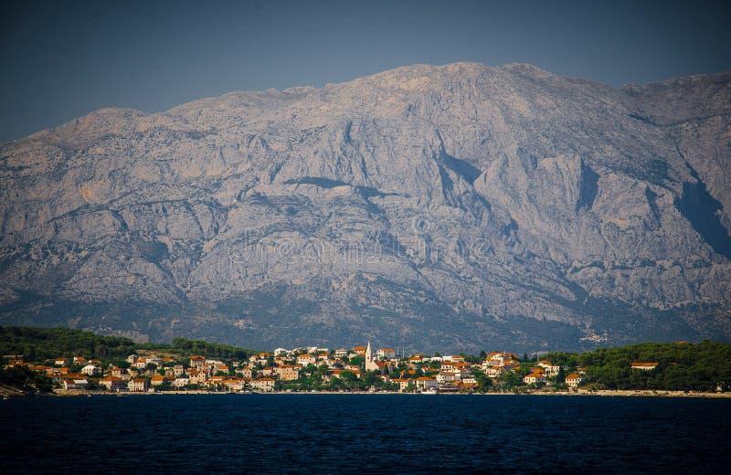 Denny widok Sumartin miasteczko, Brac wyspa, Adriatycki morze, Chorwacja obrazy royalty free