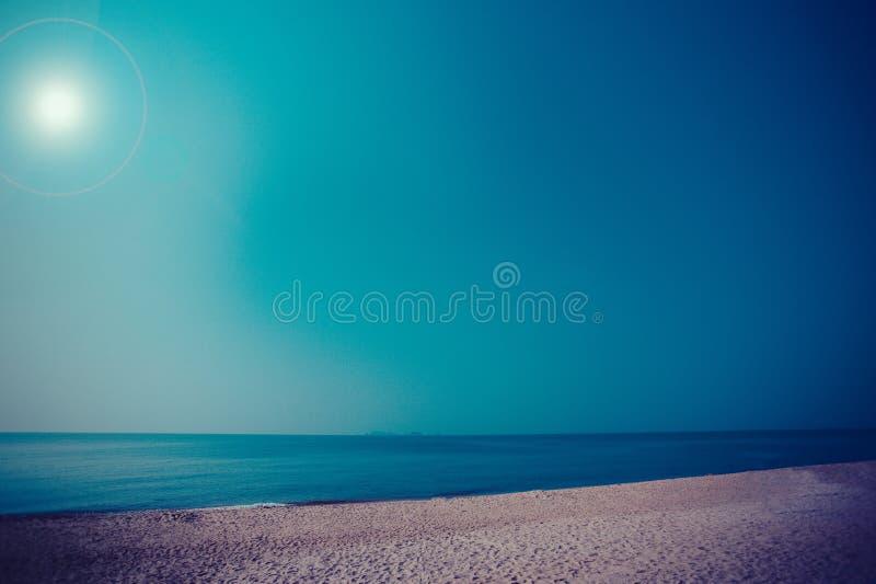 Denny widok z piękną plażą obraz royalty free