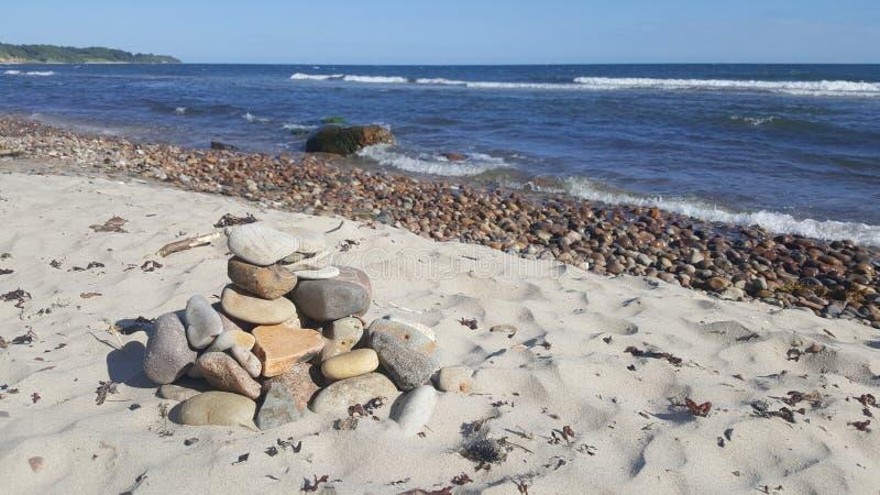 Denny wybrzeże, duzi kamienie obrazy stock