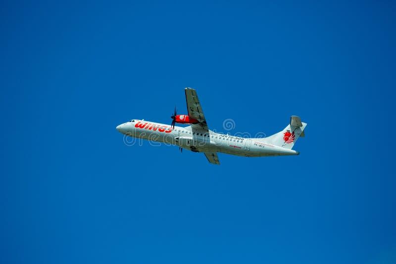 Denpasar, Bali, Indonésie - 30 avril 2019 : Prise d'avion de Wings Air de à l'aéroport international de Ngurah Rai photographie stock libre de droits