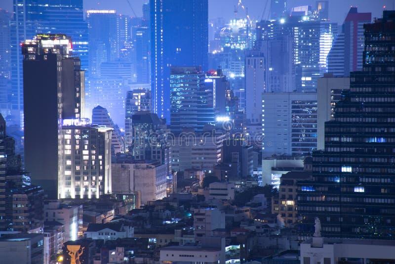 Densité de Bangkok résidentielle la nuit images libres de droits