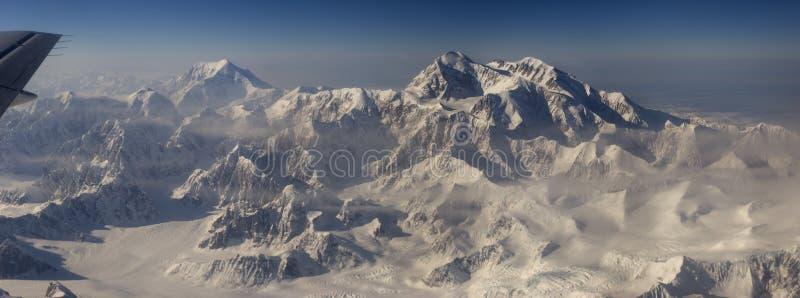 Dente do Mt Denali e do Mt Mooses imagens de stock royalty free