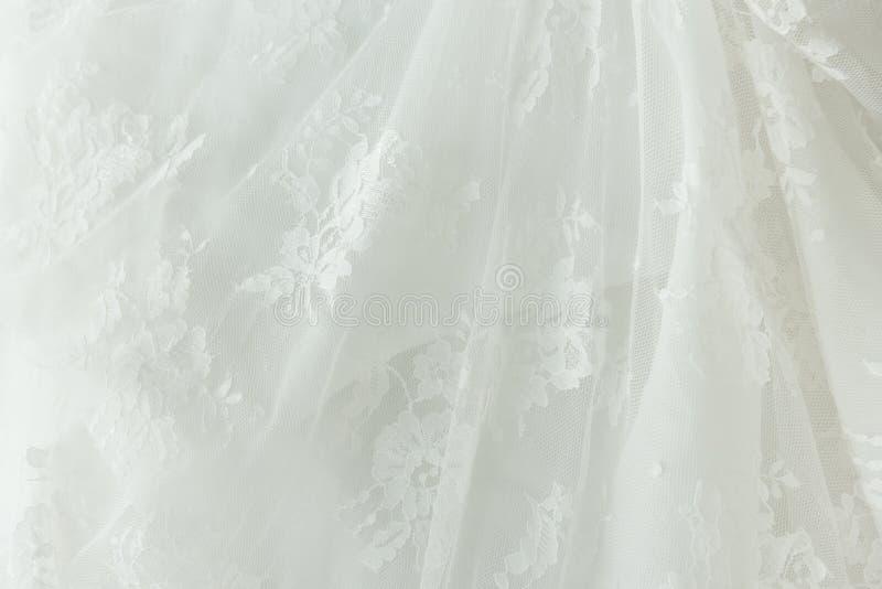 Dentelle blanche pure avec la fleur images stock