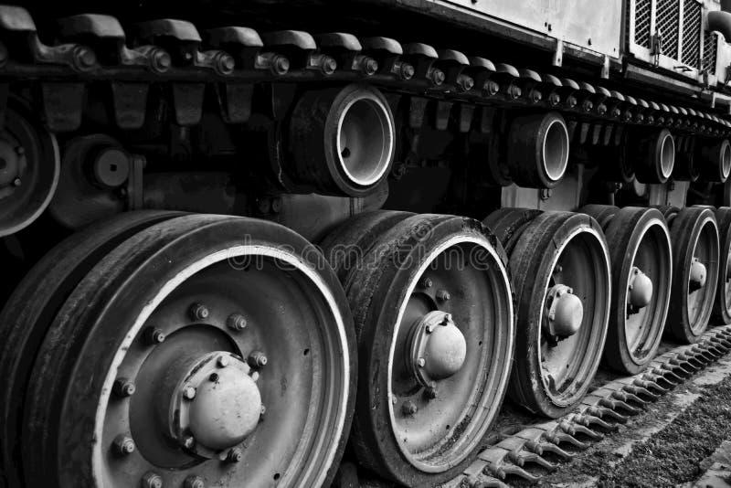 Denti nel montaggio di pista di un carro armato WW2 fotografia stock