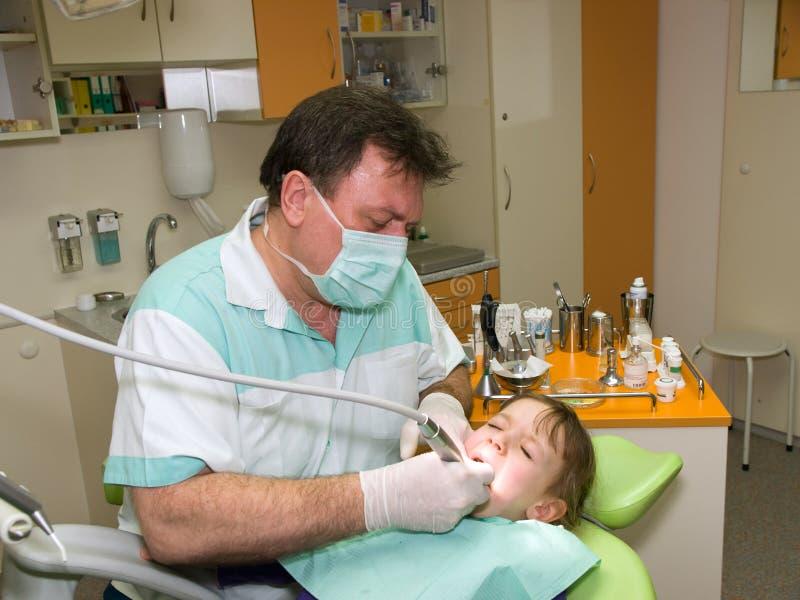 Dentista e ragazza fotografia stock