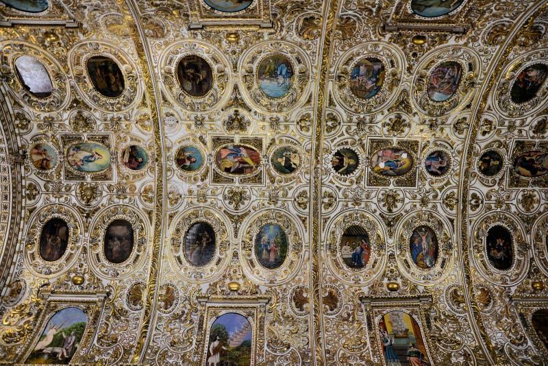 Dentro da igreja de Santo Domingo, Oaxaca foto de stock