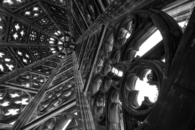 Dentro da torre dos DOM do koelner em Alemanha imagens de stock royalty free