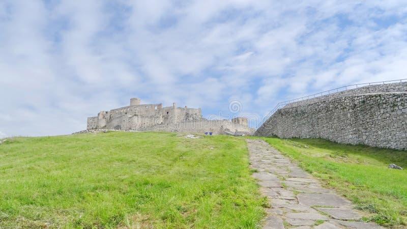 Dentro das paredes do castelo de Spis imagens de stock royalty free