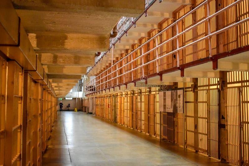 Dentro de bloque de célula vacío de Alcatraz fotografía de archivo