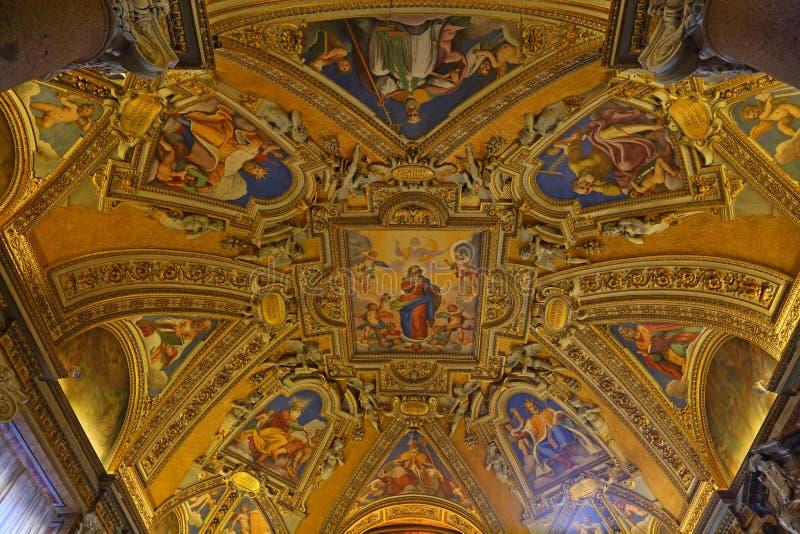 Dentro de la basílica de Santa Maria Maggiore en Roma fotos de archivo libres de regalías