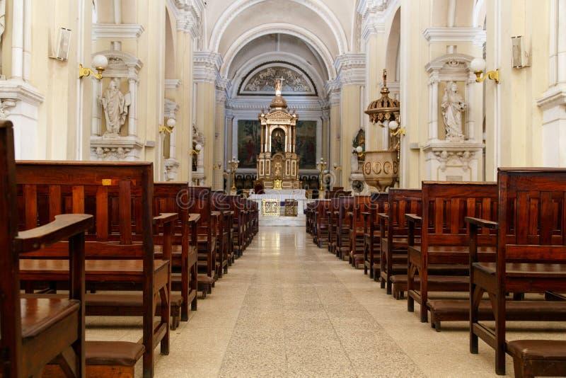 Dentro de la catedral en León, Nicaragua foto de archivo