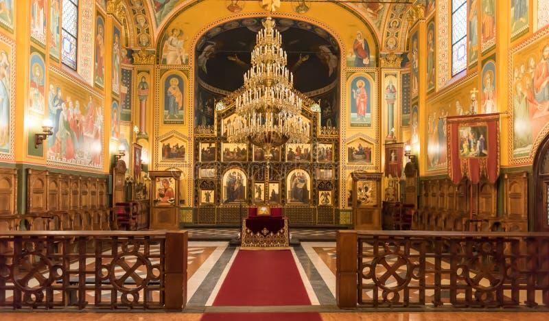 Dentro de la catedral ortodoxa servia, Zagreb imagen de archivo