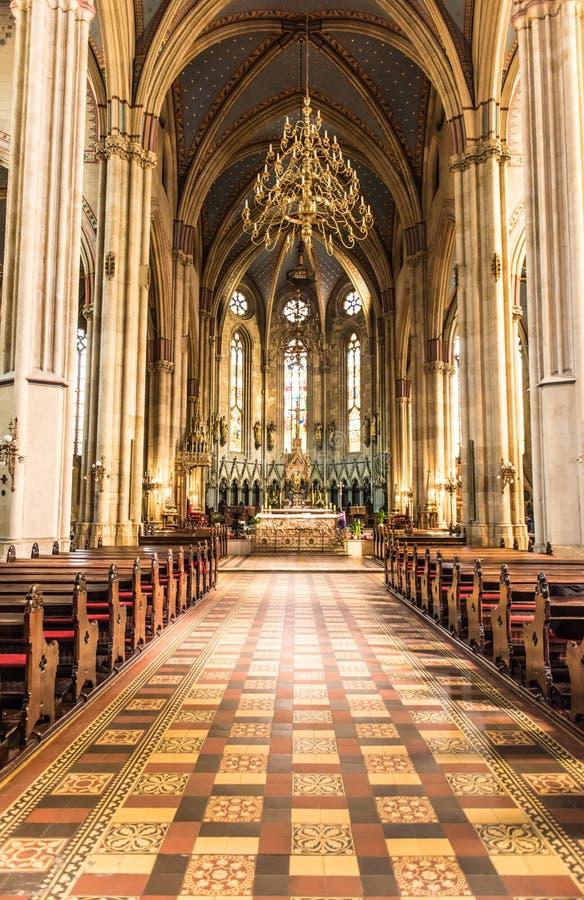 Dentro de la catedral de la suposición Zagreb, Croacia foto de archivo