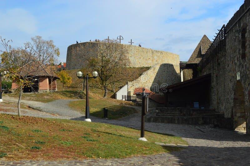 Dentro de las paredes externas en el castillo de Eger, Eger Hungría fotografía de archivo libre de regalías