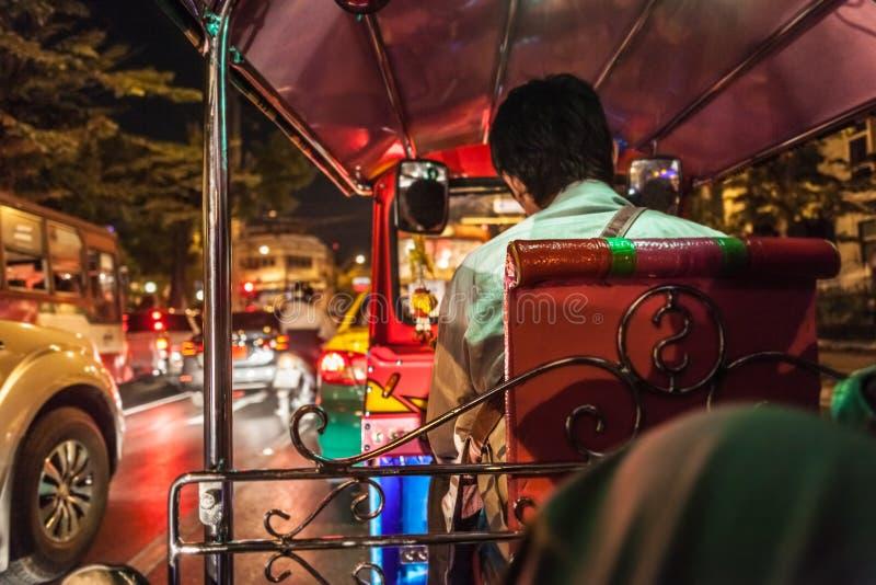 Dentro de um Tuktuk imagens de stock