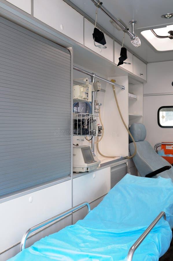 Dentro de una ambulancia. fotografía de archivo