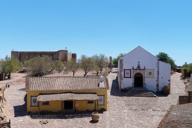 Dentro del castillo del marim de castro de la ciudad fronteriza imagenes de archivo