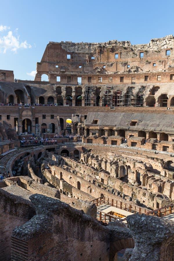 Dentro del Colosseum, Amphitheatrum Novum, Amphitheatrum Flavium foto de archivo