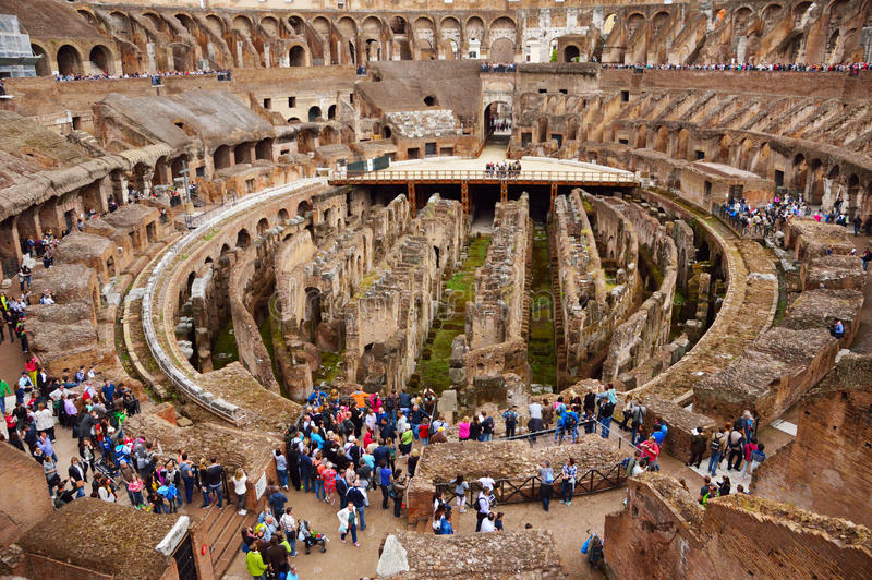 Dentro del Colosseum, Roma, Italia imagen de archivo libre de regalías