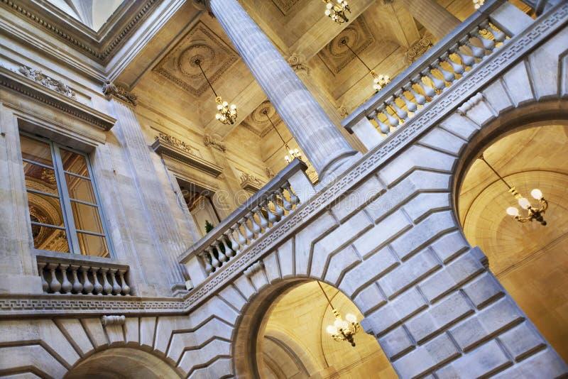 Dentro del edificio de la ópera imagenes de archivo