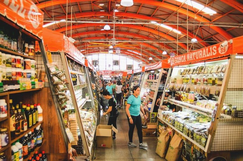 Dentro del mercado popular llamó el Municipal de Mercadao imagen de archivo libre de regalías