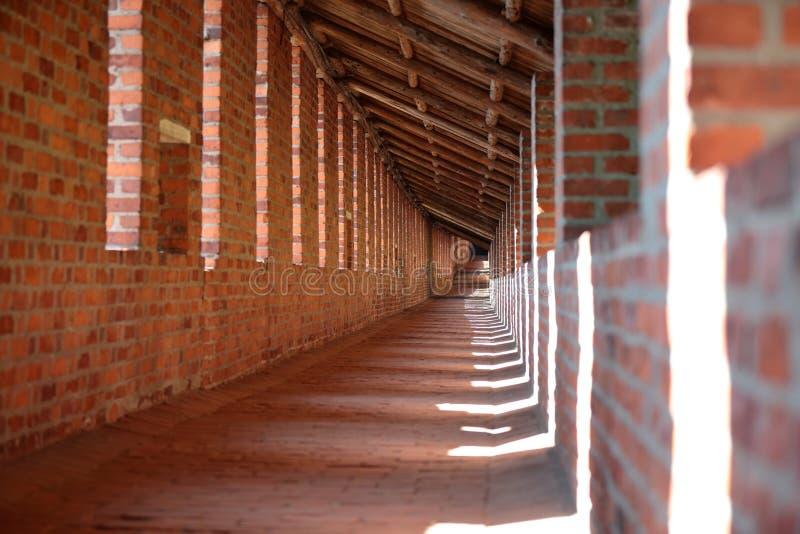 Dentro del muro defensivo del Kremlin NIzhny Novgoro foto de archivo libre de regalías