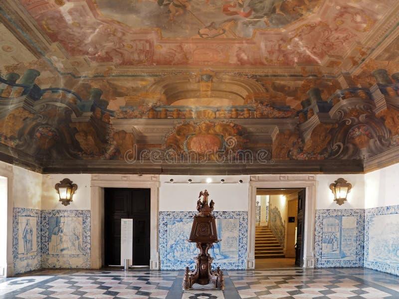 Dentro del sao Vicente de Fora en Lisboa adentro fotografía de archivo libre de regalías