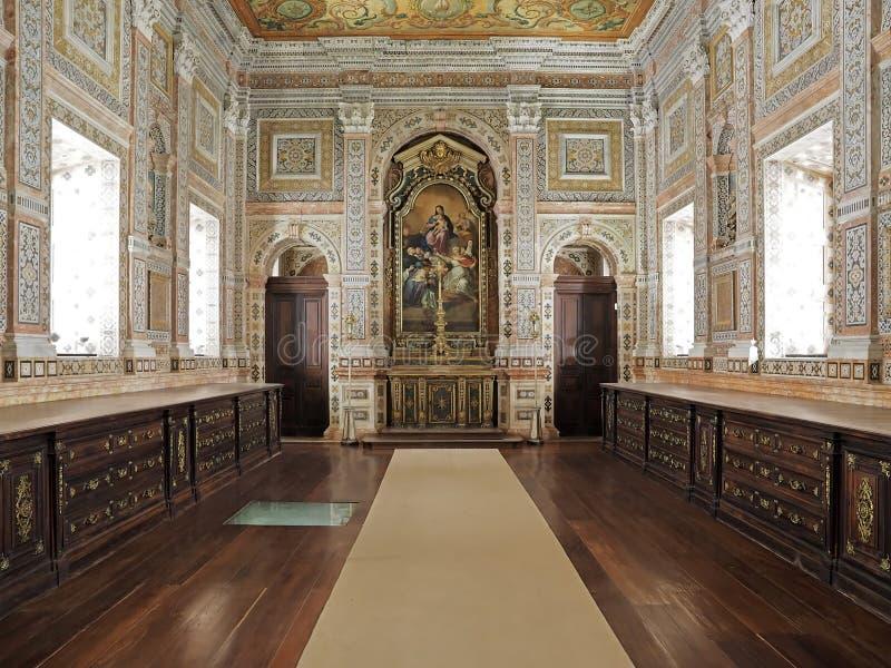 Dentro del sao Vicente de Fora en Lisboa adentro imagenes de archivo