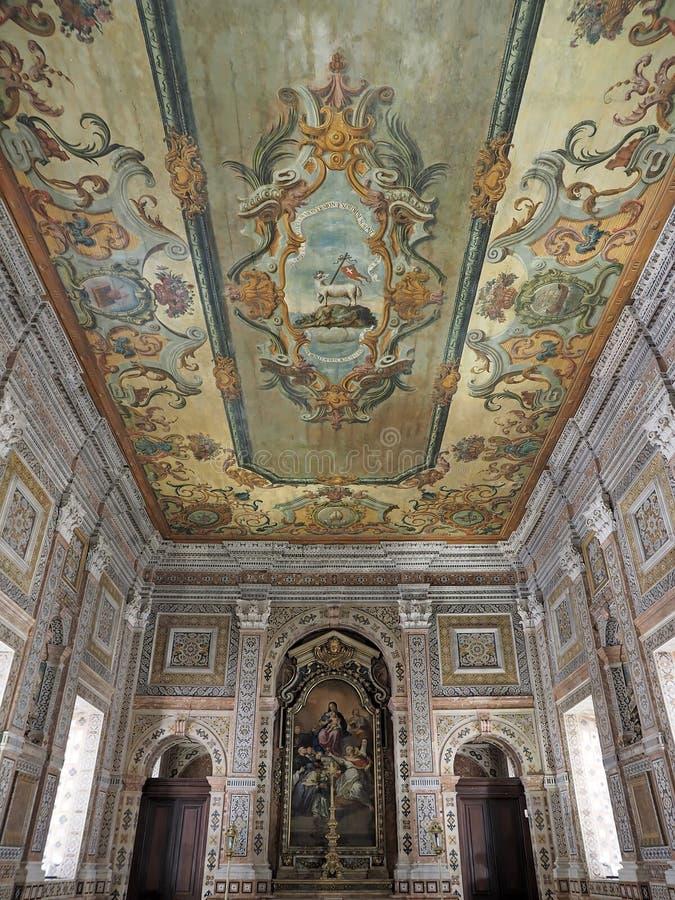 Dentro del sao Vicente de Fora en Lisboa adentro foto de archivo libre de regalías