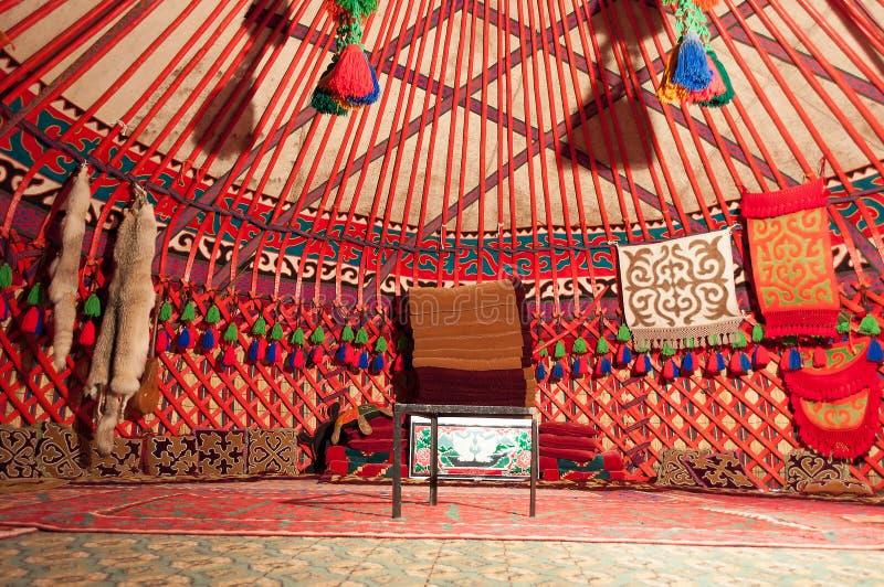 Dentro del yurt immagine stock