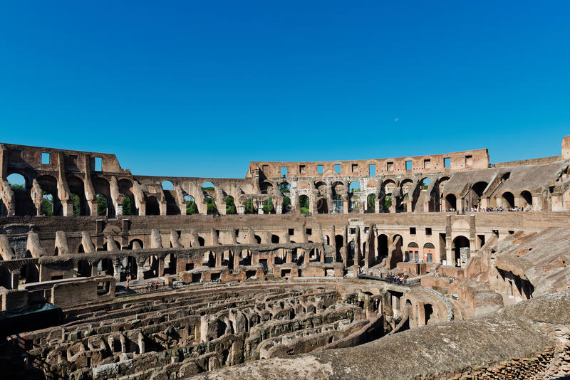 Dentro di Colosseum a Roma, immagine stock