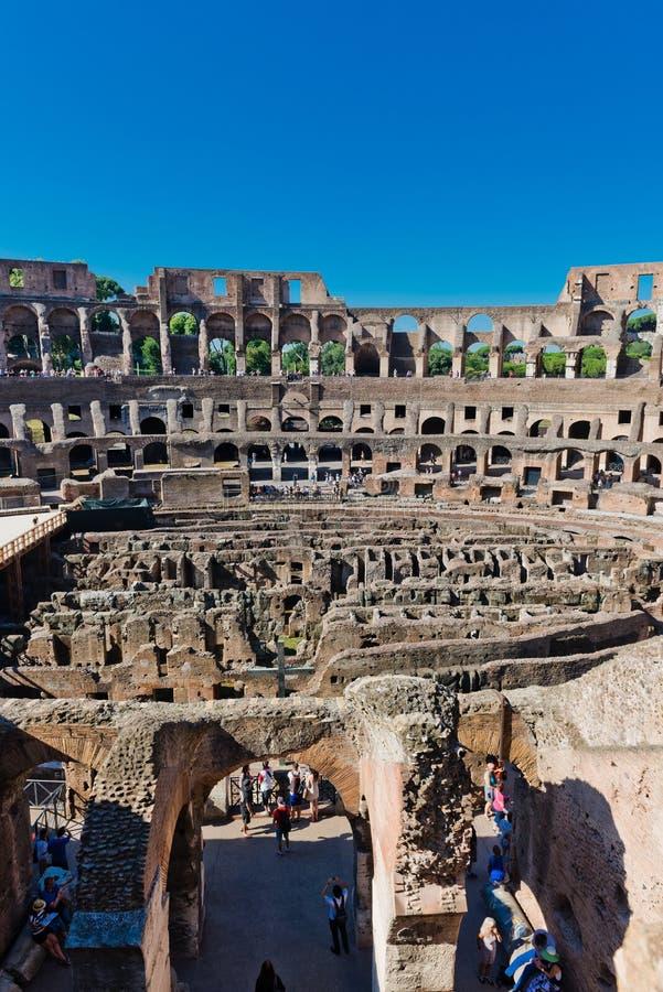 Dentro di Colosseum a Roma, l'Italia immagini stock